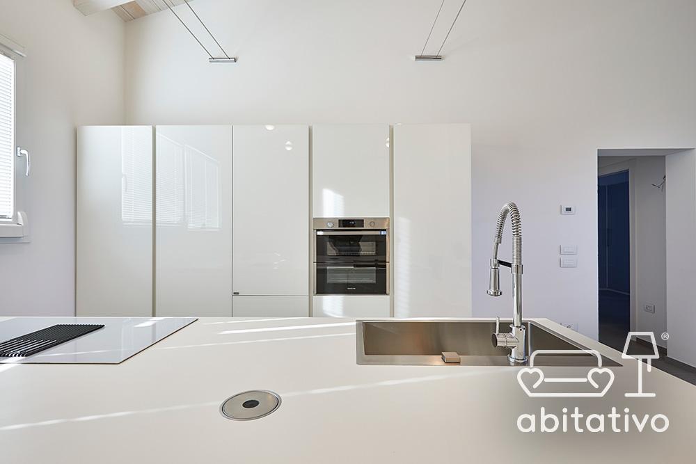mobile cucina bianco lucido lineare