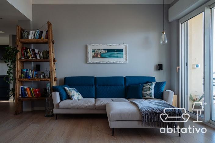 divano moderno bicolore