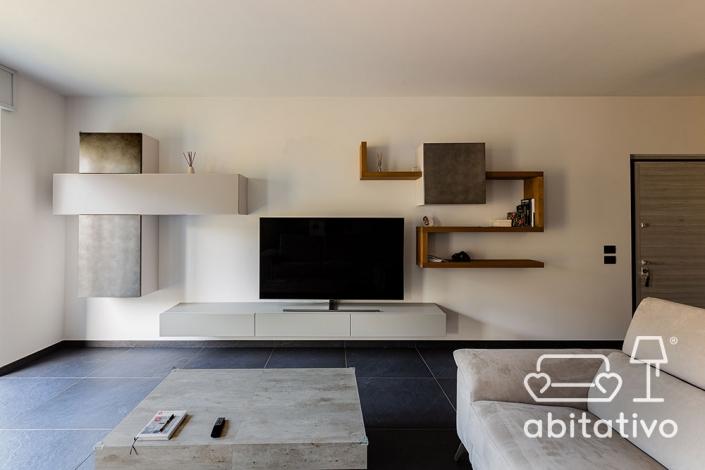 materiali mobili soggiorno sospesi
