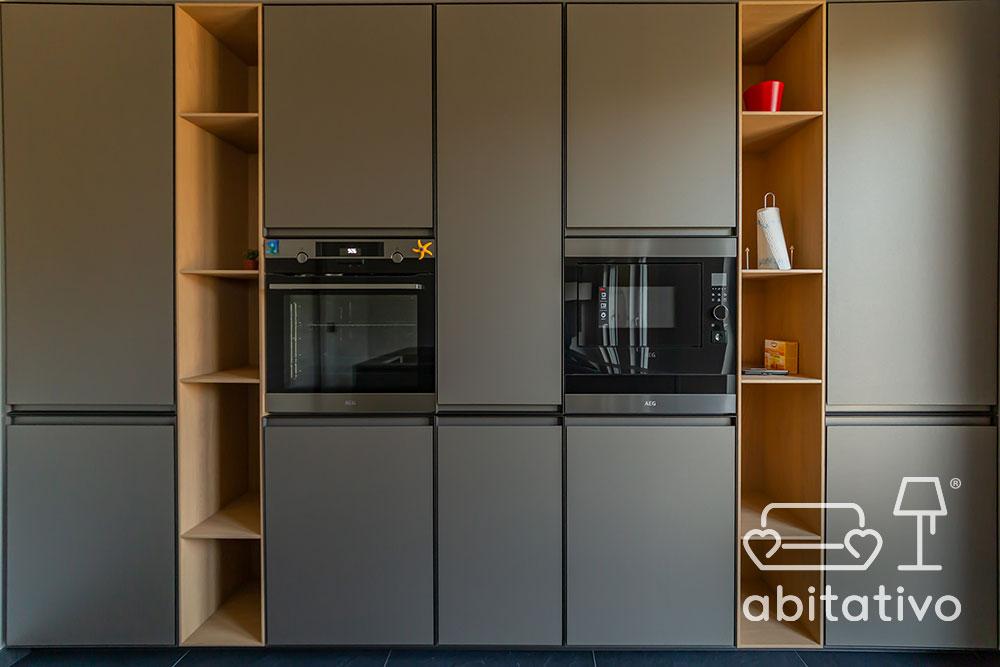 scaffali mobile cucina moderno