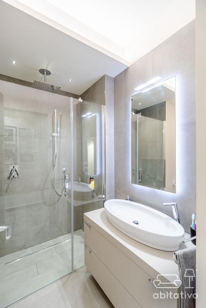 illuminazione a strisce led bagno