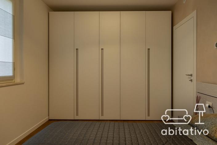 armadio moderno in camera da letto