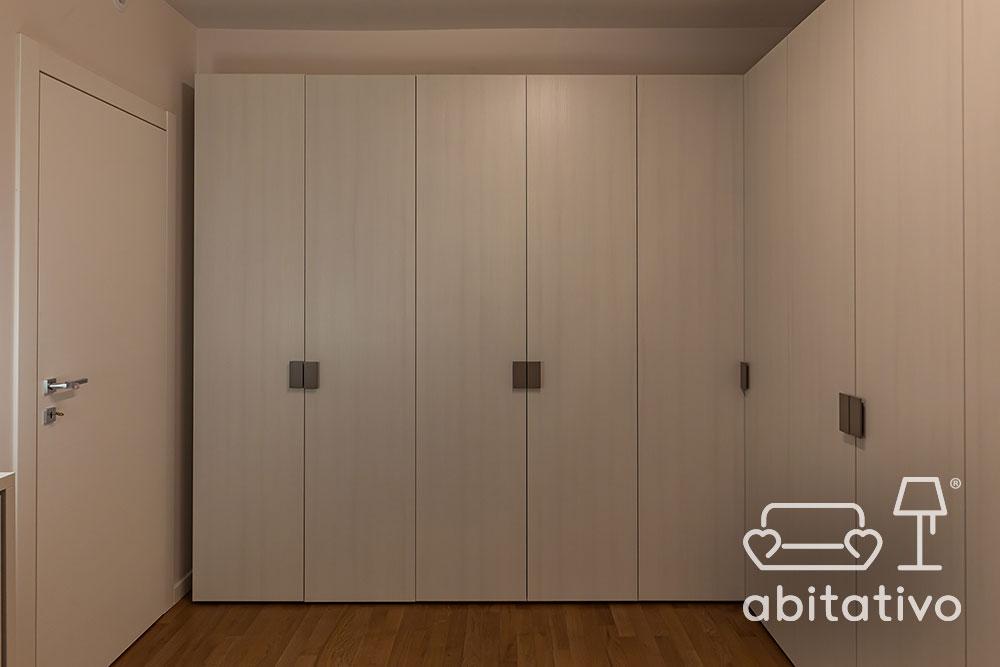 cabina armadio con ante chiuse