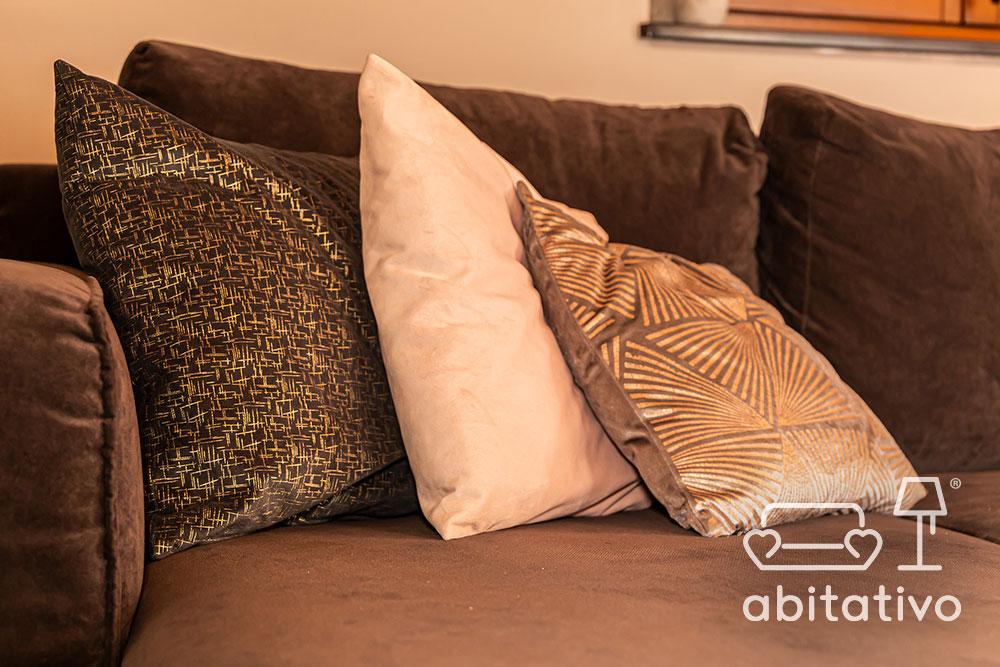 cuscini di design in velluto per divano