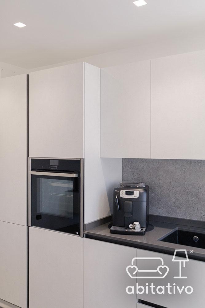 cucina minimal e moderna bianca