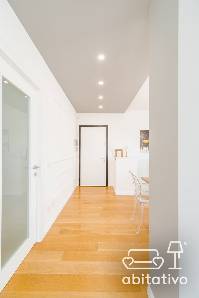 illuminazione ingresso casa con faretti