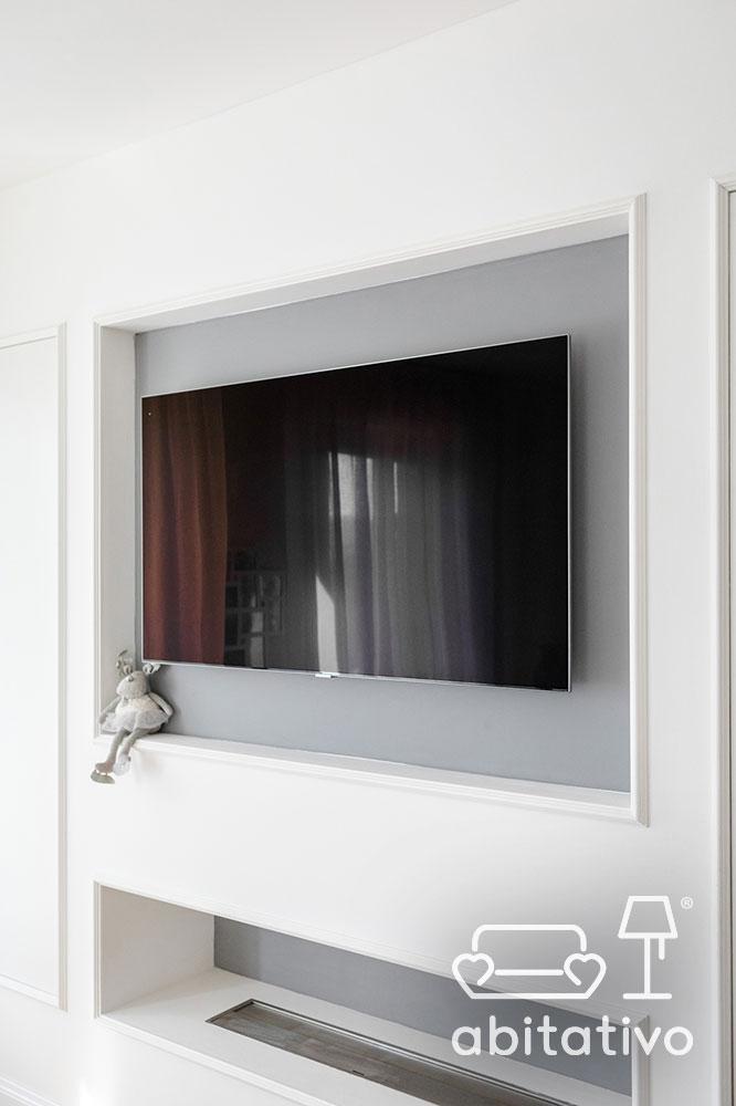 parete soggiorno con vano tv