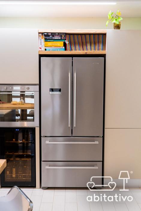 frigorifero moderno acciaio