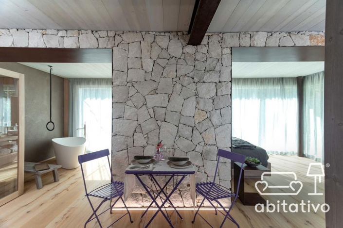 dividere ambienti parete pietra