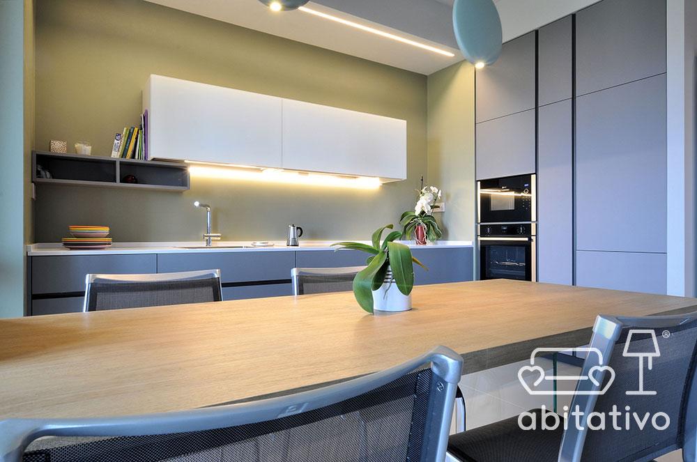 illuminazione cucina moderna appartamento