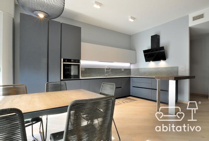 illuminazione cucina appartamento moderno