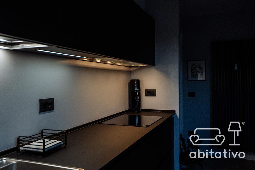 illuminazione piano cucina
