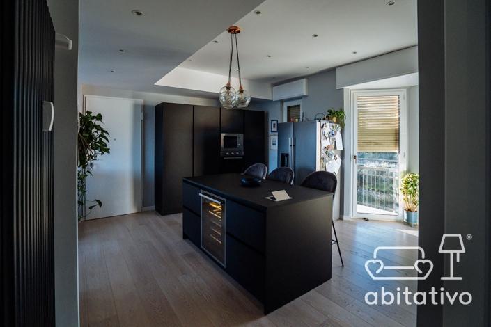 cucina moderna spaziosa