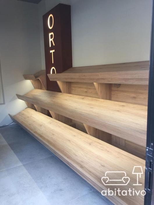 progetto arredo negozio legno