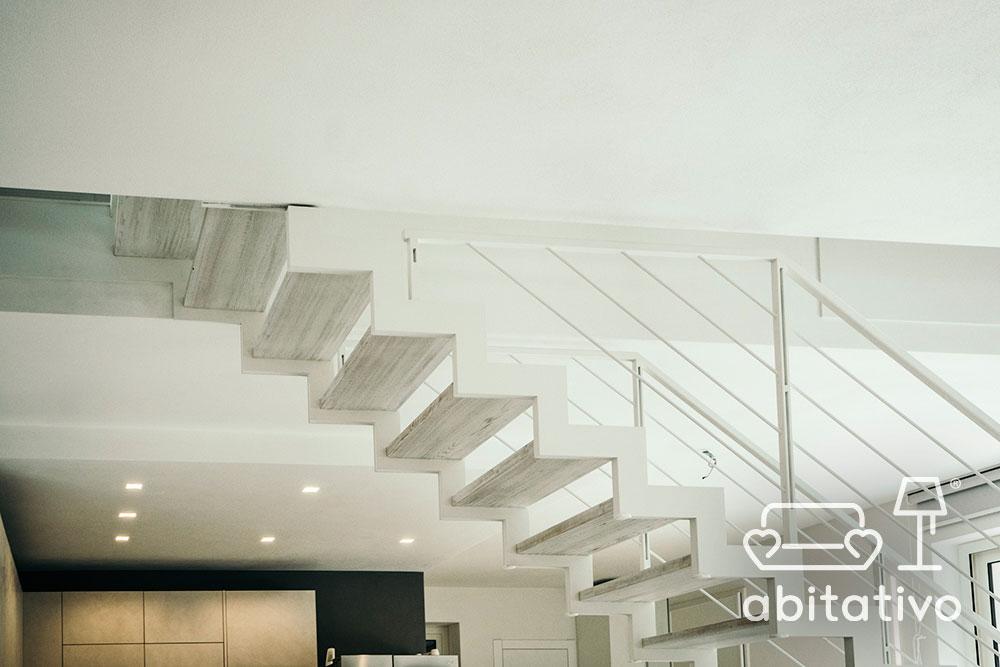 scala moderna villa due piani