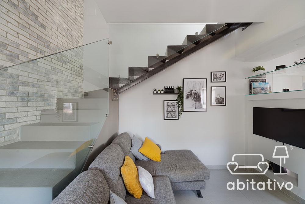 scale interne con ringhiera in vetro