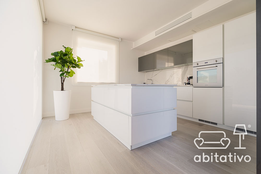 cucina isola marmo