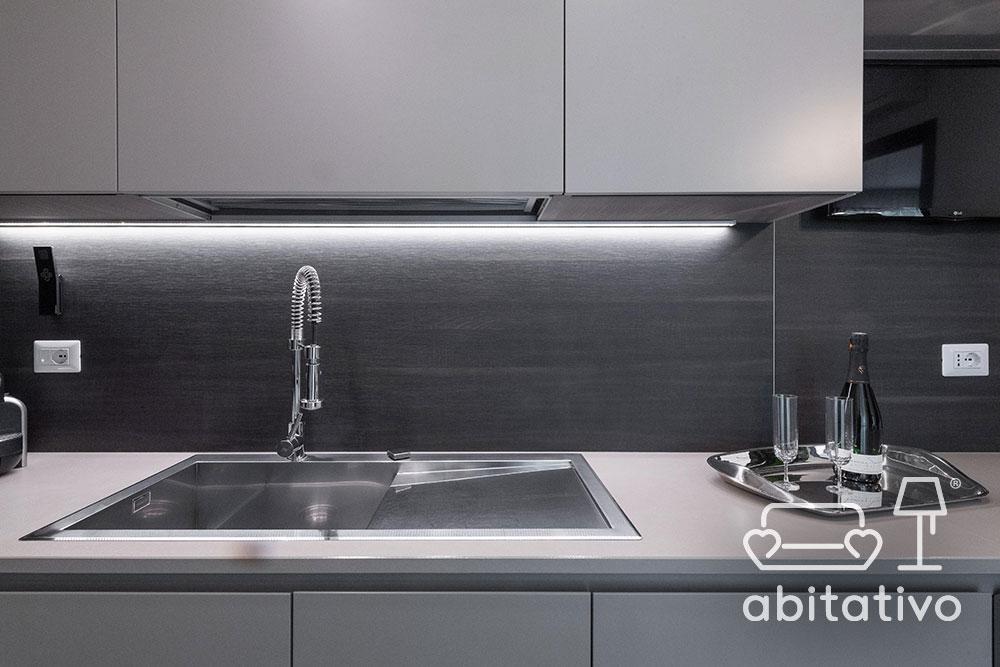 progetto cucina toni del grigio
