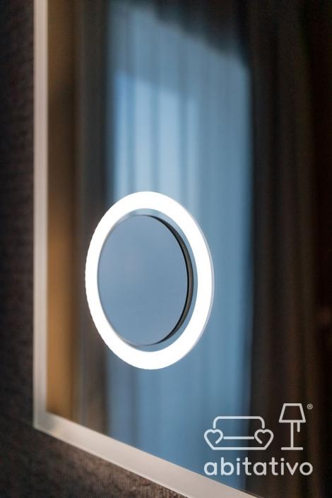 specchio illuminato design