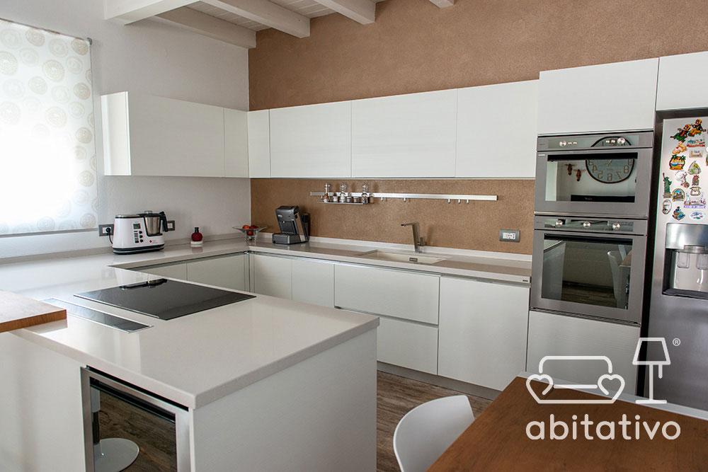 progettazione cucina total white