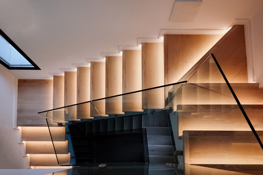 scale illuminate legno