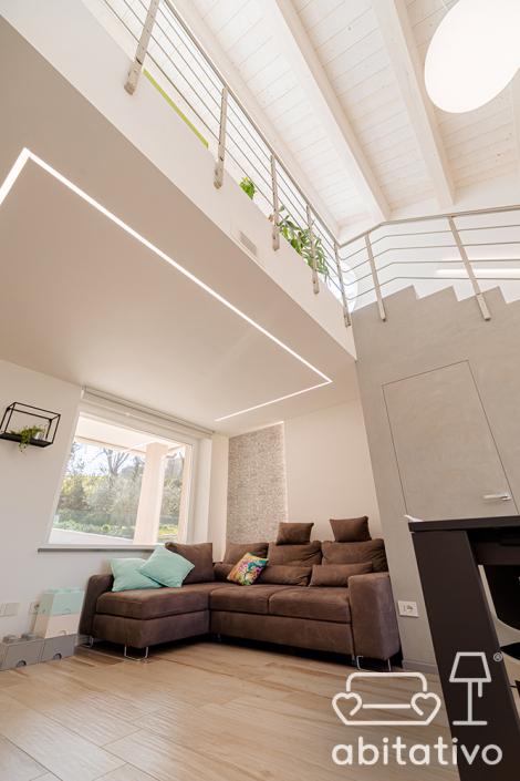 illuminazione soffitto alto