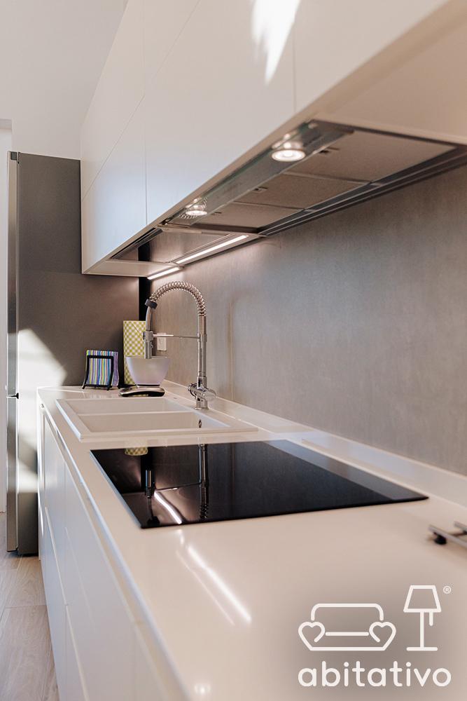 mobile lineare cucina moderna
