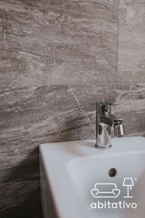 rivestimenti bagno marmo
